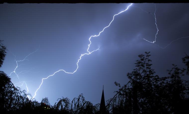 lightning-199651_1280